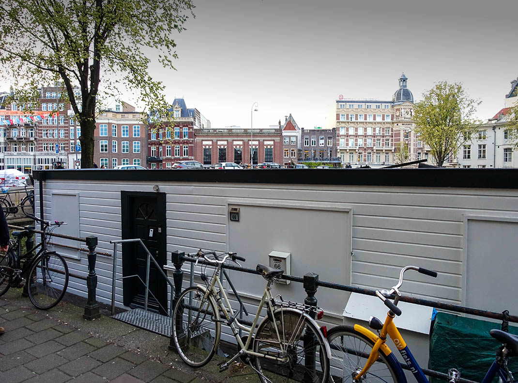 Stay on a Houseboat in Amsterdam