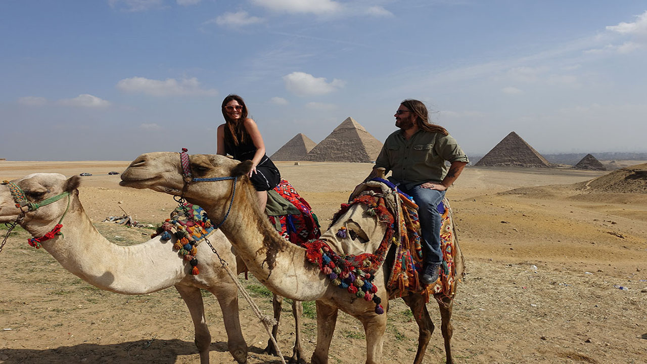 Giza: Exploring Egypt's Great Pyramid